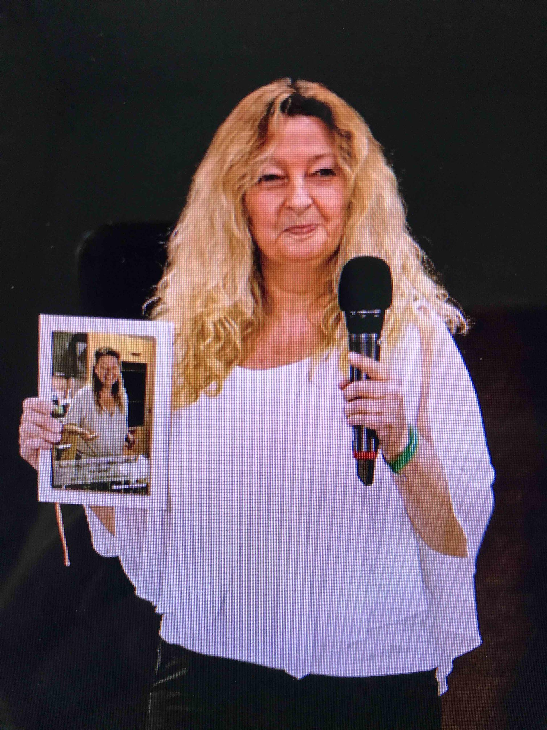 Susanne Panhans on Stage mit Nahrungsmittelintoleranzen - na und?